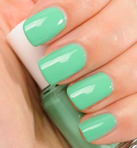 Seafoam nail trends nail polish spring 2016
