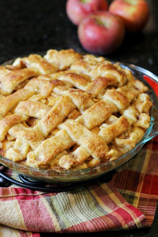 apple pie by audrey's apron