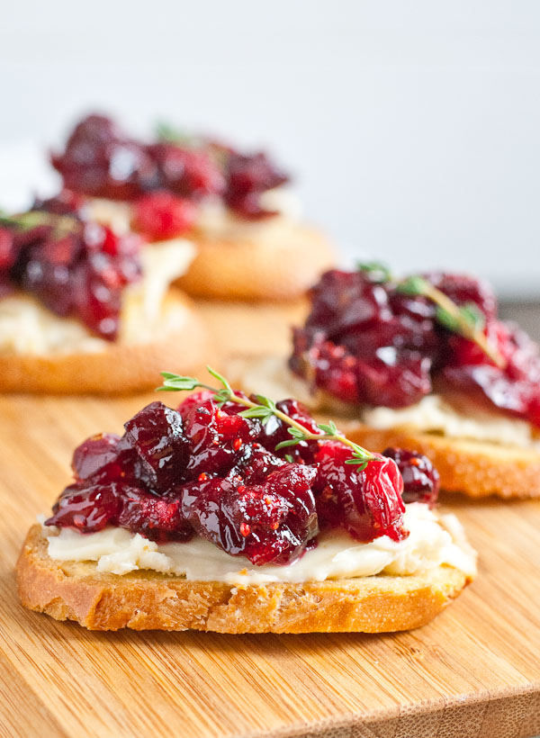 cranberry brie crostini by neighborfood blog